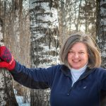 Photo of Duluth Folk School instructor Sue McDonald
