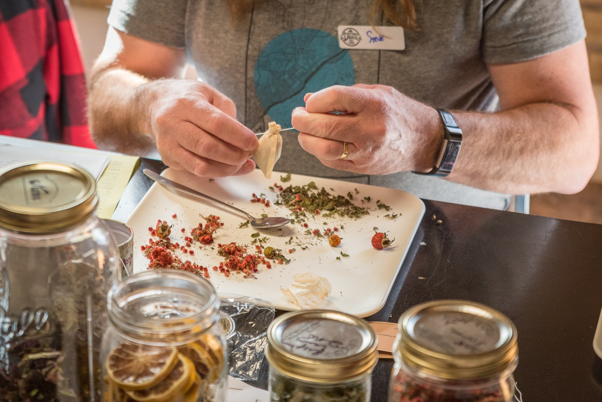 Foraged Tea Class at the Duluth Folk School